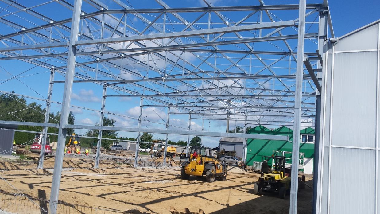 Montaż konstrukcji stalowej o masie ok 23 ton dla Firmy Hallmaker Konstpol w Nadarzynie.